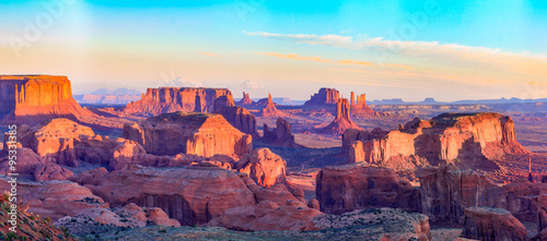 In de dag Crimson Sunrise at Hunts Mesa viewpoint
