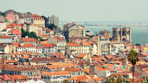 lizbona-historyczne-miasto-panorama-portugalia