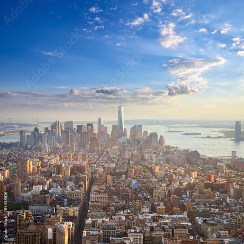 manhattan-przy-zmierzchu-widok-z-lotu-ptaka-miasto-nowy-jork-stany-zjednoczone