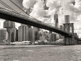 The Brooklyn Bridge and the downtown Manhattan skyline in New Yo - 95479780