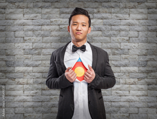 Photo  young asian business man with target in his chest