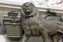 Le Lion Du Suffrage Universel, Statue De La République (Paris France)