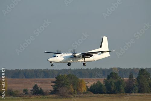 Vászonkép  Regional passenger plane