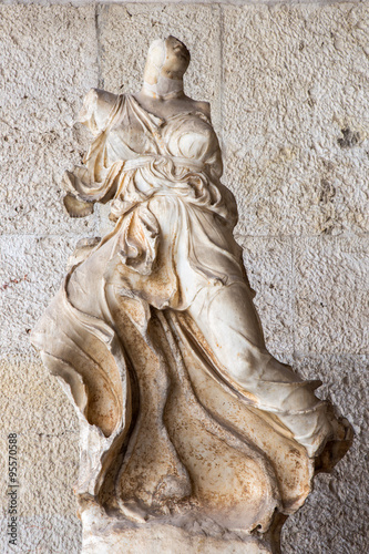 Fotografija  Athens - Winged Nike (4th BC) in external corrido in Stoa of Attalos