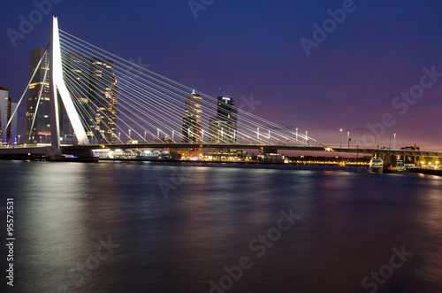 Fotobehang Rotterdam Erasmus Bridge and Rotterdam Skyline at Twilight, Zuid Holland, The Netherlands