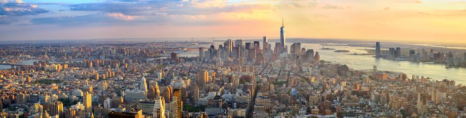 Panorama Manhattana u zračnom pogledu zalaska sunca, New York, Sjedinjene Države