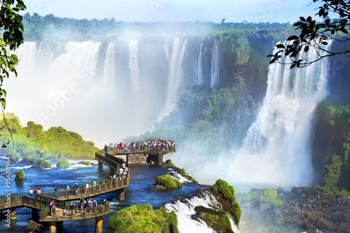 Tuinposter Brazilië Iguazu Falls, on the border of Argentina and Brazil