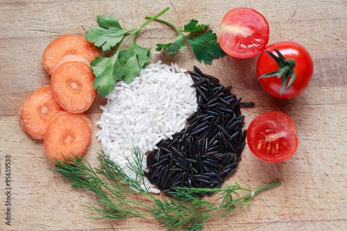 Fotografie, Obraz  Yin Yang Rice Symbol