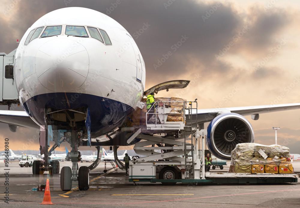 Fototapety, obrazy: loading cargo