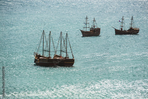 Staande foto Schip Old ship sailing in the sea
