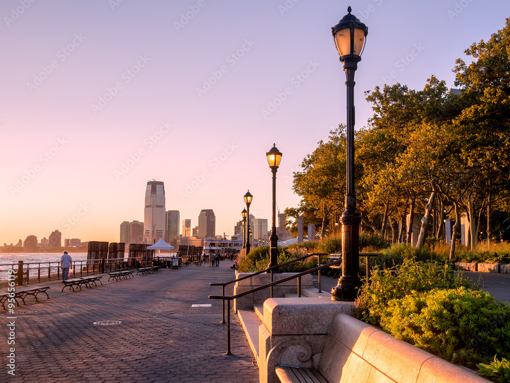 Fototapety, obrazy: Sunset at Battery Park in New York City