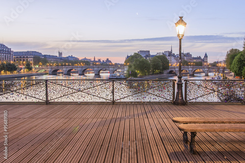 Poster de jardin Paris The 'Pont des Arts' in the early morning
