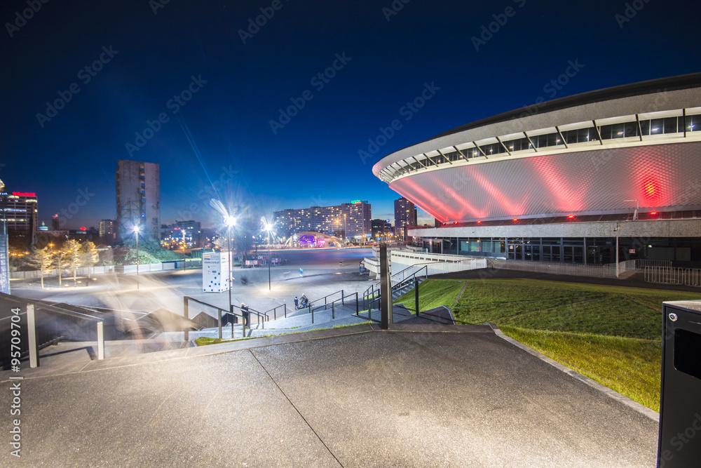 Fototapety, obrazy: Nocny widok Międzynarodowego Centrum Konferencyjnego w Katowicach