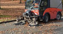 Kehrmaschine Im Herbst