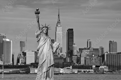 tourism concept new york city with statue liberty © UTBP
