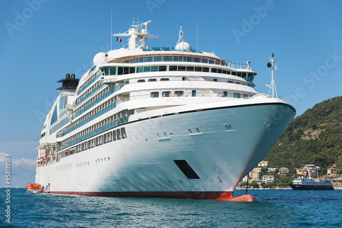 white passenger ship - 95811918