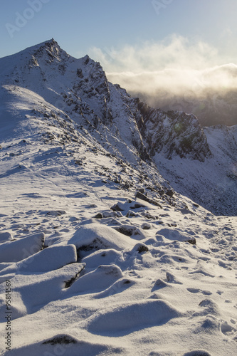 szczytowa-wycieczka-po-lofotach-w-norwegii