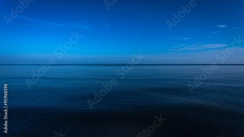 Foto op Plexiglas Zee / Oceaan Dark and deep ocean in the winter