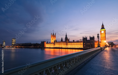 London skyline at twilight Canvas Print