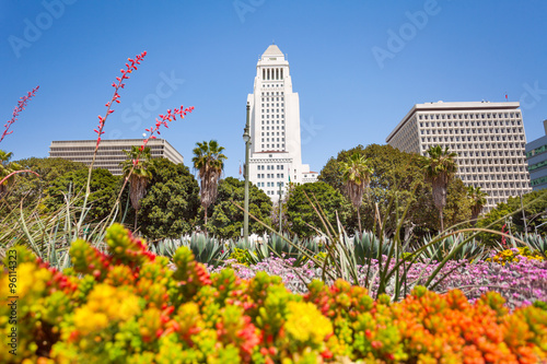 Staande foto Los Angeles Town hall view with flowers in LA downtown, USA