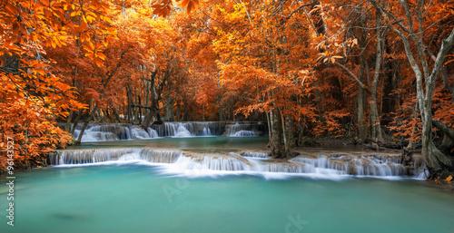 Küchenrückwand aus Glas mit Foto Wasserfalle Deep forest waterfall in autumn scene at Huay Mae Kamin waterfal