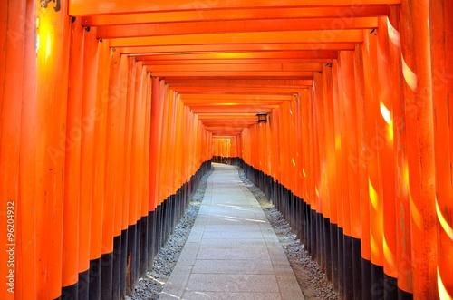 Staande foto Kyoto 京都 伏見稲荷大社 千本鳥居
