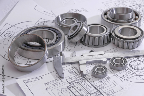 Fotografía  bearings and many drawings