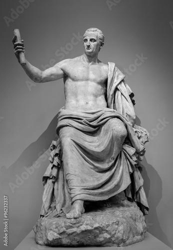 marmurowy-rzymski-posag-cesarza-nerva