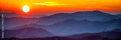 Photo  Smoky mountain sunset