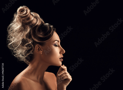 Poster Kapsalon Portrait of Beautiful Young Woman with hairstyle touching her fa