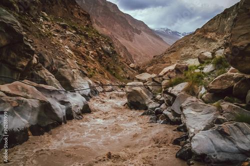 Valokuva  Hunza river tributary