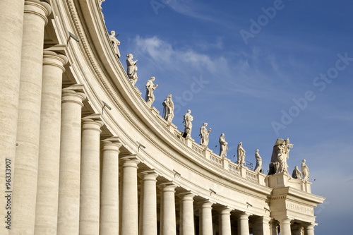 Fotografía The Berninis colonnades at the Saint Peters Square in Vatican, Italy