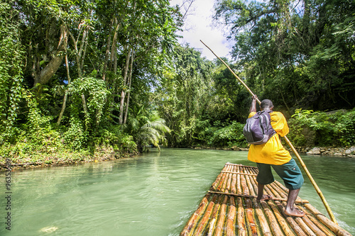 Foto  Bamboo Rafting on the Martha Brae River in Jamaica.