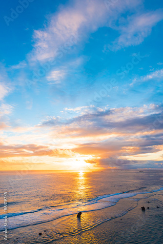 Foto op Canvas Ochtendgloren Sunrise, sea, seascape. Okinawa, Japan.