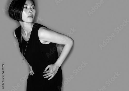 Fotografía  Giovane Attraente Ragazza Asiatica