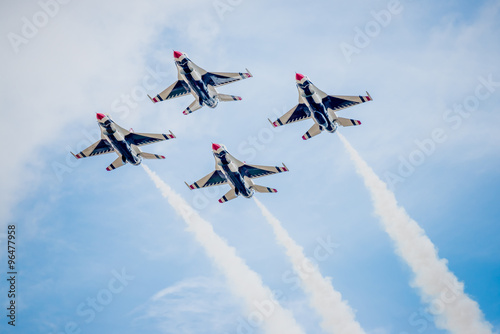 USAF Fighter Planes in Diamond Formation Fotobehang