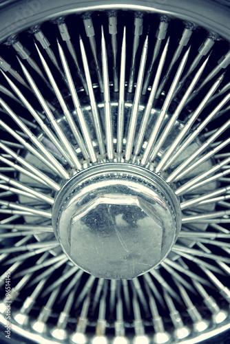 Fotografie, Obraz  Stylový automobilového kola s paprsky