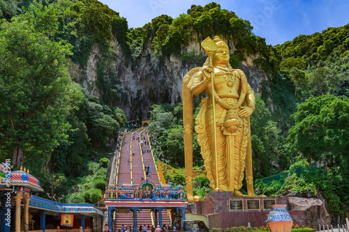 Photo Stands Kuala Lumpur Statue of hindu god Muragan at Batu caves, Kuala-Lumpur.
