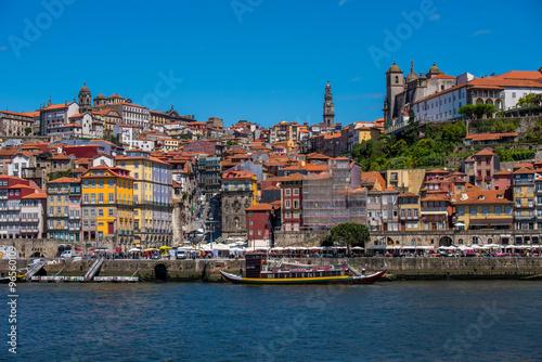 Spoed Foto op Canvas Mediterraans Europa Portugal, Porto, Douro river nad historic city centre