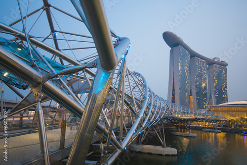 Photo  MARINA BAY SANDS, SINGAPORE OCTOBER 12, 2015: The Helix Bridge i