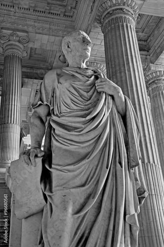 Cuadros en Lienzo Bruselas - estatua del filósofo Cicerón de vestiubule del palacio de Justicia