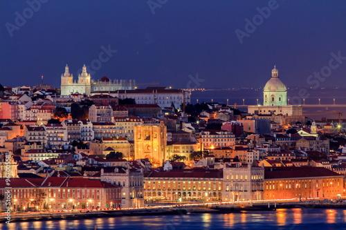 Spoed Foto op Canvas Zuid-Amerika land Lisboa visto do Cristo Rei Almada