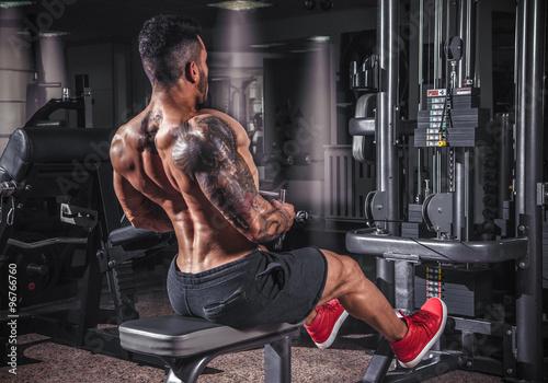 Foto op Plexiglas Fitness Back workout in the gym.