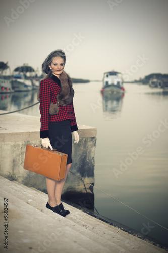 Fotografia  Donna anni '40 al molo. Vintage