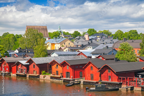 Poster Scandinavie Old red wooden houses on river coast. Porvoo