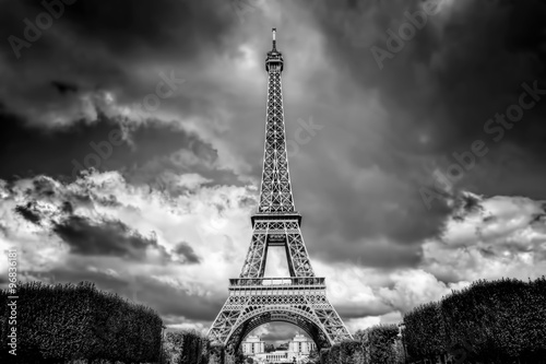 Deurstickers Eiffeltoren Eiffel Tower seen from Champ de Mars park in Paris, France. Black and white