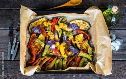 Foto op Plexiglas Groenten Baked vegetables on a baking sheet