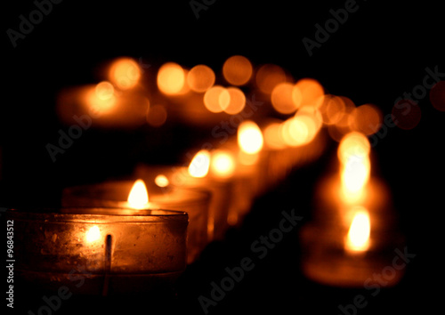 Stampa su Tela  candles of vigil