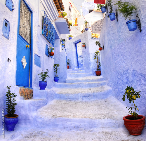 obraz lub plakat Street in the blue city Chefchaouen, Morocco