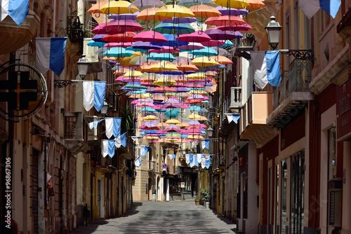 Photo  Sadinien - Schirme in der Via Giacomo Matteotti Iglesias